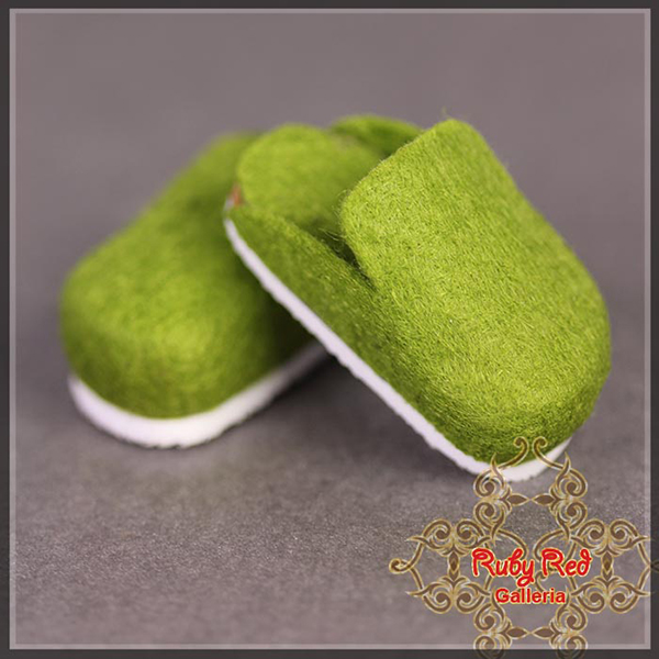 RubyRed Galleria YoSD Green Dribbit Clogs Shoes
