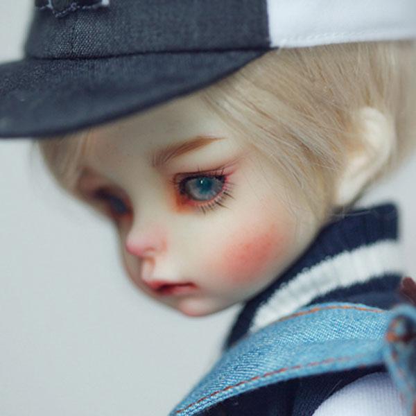 dollzone yosd evan