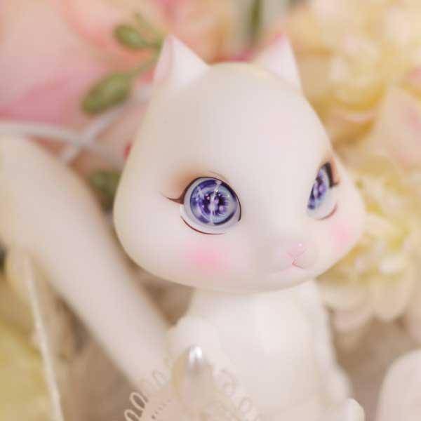 pipos cream white