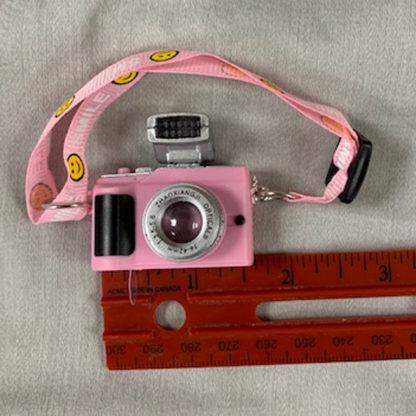 realms accessories smilin camera