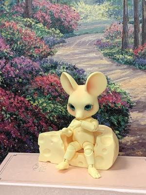 cheese mouse display