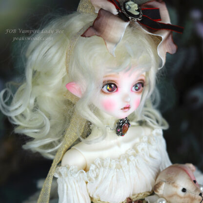 peakswoods fob lady bee vampire